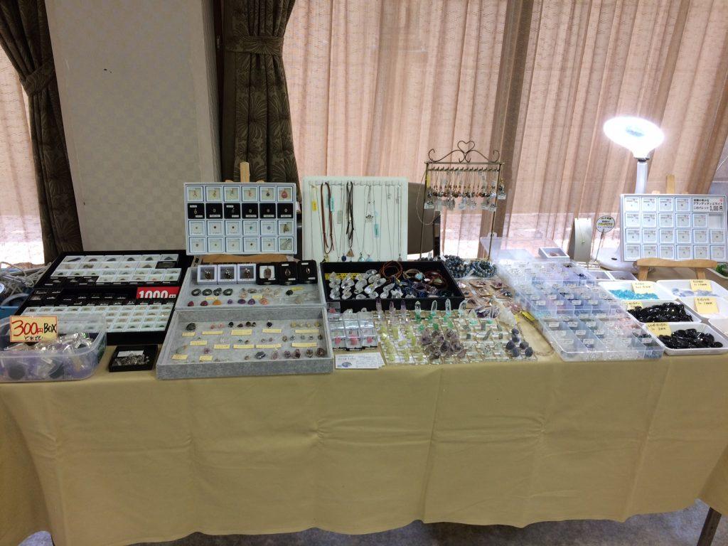 大阪の難波神社で開催の「みねらるふぁんたじあ」のbibiのテーブル