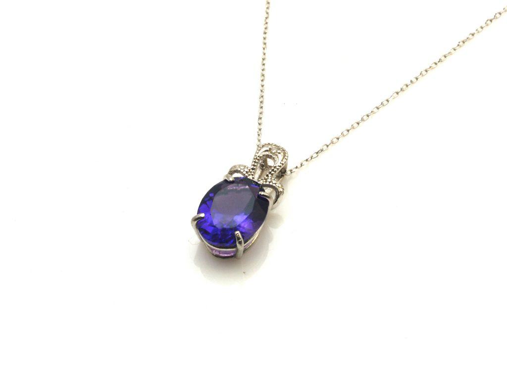 宝石質のアメジストネックレス