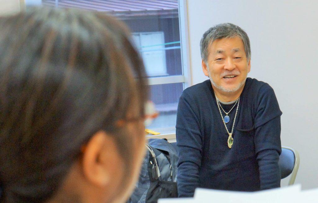優しい語り口調と温かい人柄の知叡先生
