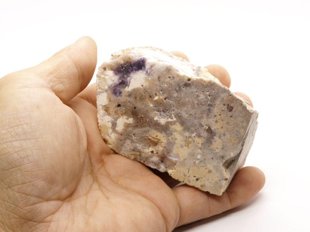 ティファニーストーン原石138g
